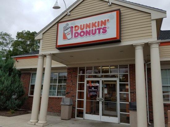 Weymouth, MA: Dunkin' Donuts