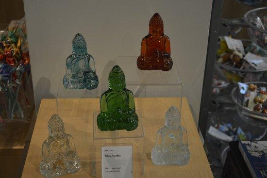 Asian Art Museum : Museum store