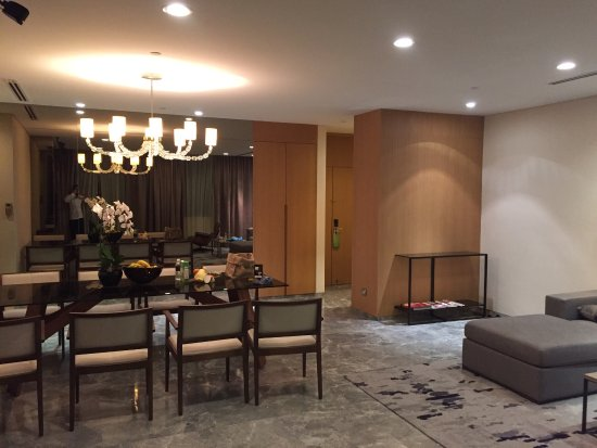Fraser Suites Singapore 5 Star Serviced Apartment