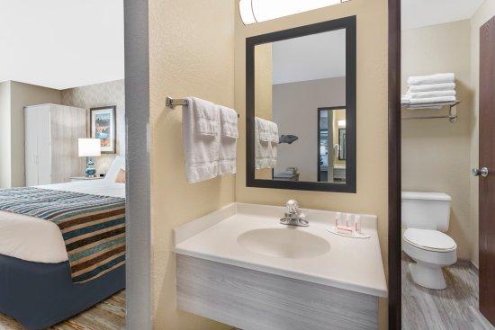 Spokane Valley, واشنطن: Bathroom