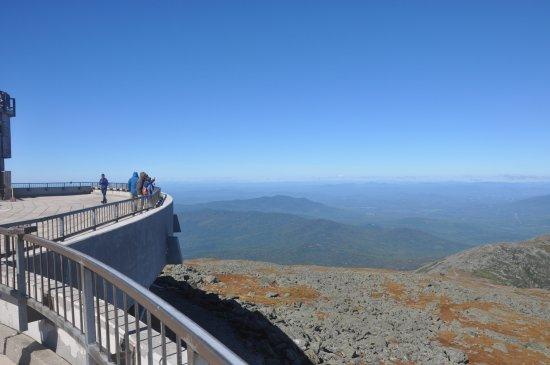 Gorham, New Hampshire: Vista do mirante principal localizado no cume da montanha.