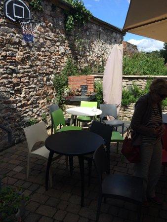 Pembroke, UK: Outdoor seating