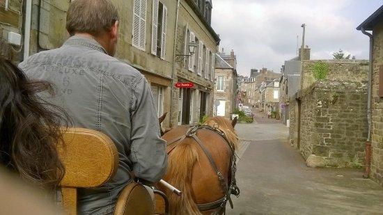 Villedieu-les-Poeles, Frankrike: Au trot