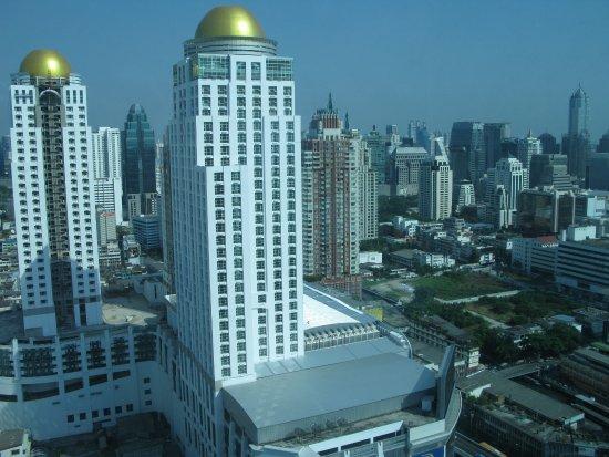Amari Watergate Bangkok: Вид на город из номера.32 этаж.