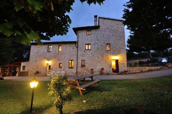 Giano dell'Umbria, İtalya: giardino