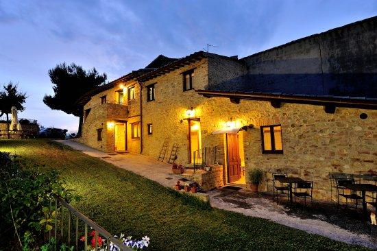 Giano dell'Umbria, İtalya: notturno degli appartamenti