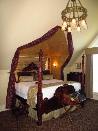 Abigail's Hotel: Elegance in Victoria - Canterbury Bell