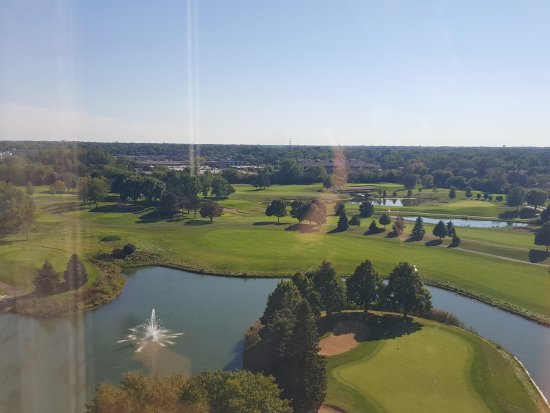 Oak Brook, IL: View of the golf course and beyond from our 10th floor room