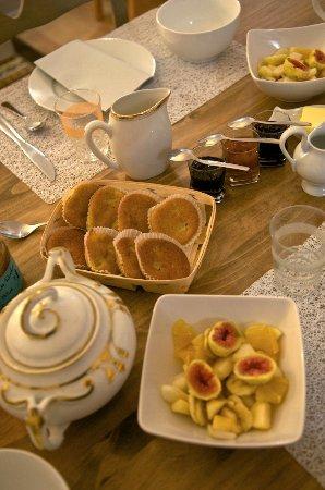 Saint-Pierre-d'Oleron, Francia: Petit déjeuner
