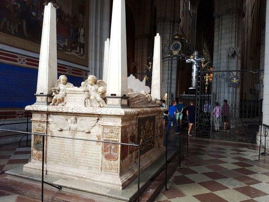 Uppsala, Sverige: se non ho sbagliato a prendere appunti è la tomba di Erik il Santo
