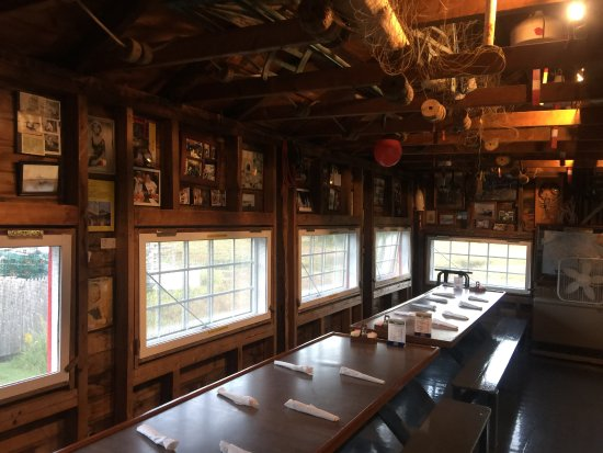 Nunan's Lobster Hut : Nunan's inside the restaurant