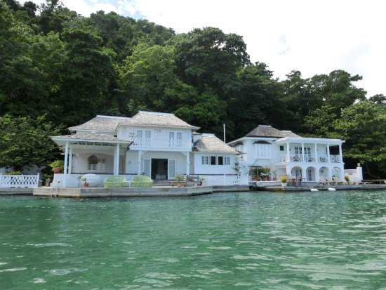 Blaue Häuser blaue lagune vom boot aus häuser die promis gerne mieten picture