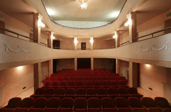 Montescudo, Italy: Un piccolo teatro d' antan