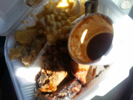 triple r barbecue had to get me some of this yumminess