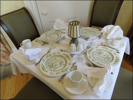 Ingersoll, Kanada: Elegant table setting