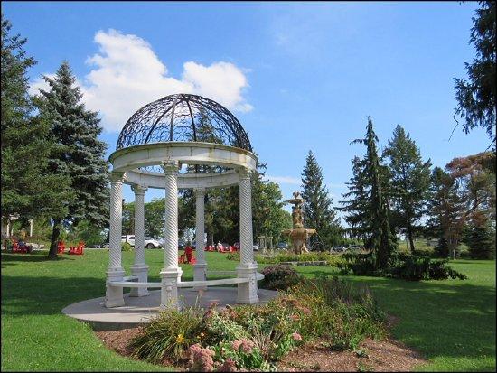 Ingersoll, Canadá: Designer Garden