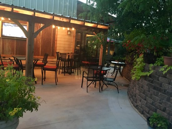 Atoka, OK: Perfect Patio weather tonight!! 🌴❤️