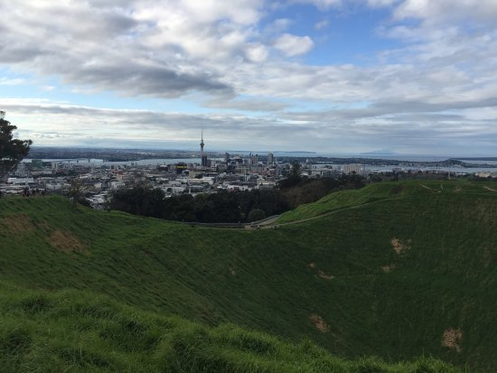Mount Eden: photo2.jpg