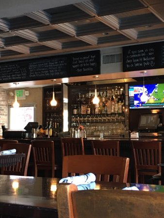 Crow Bar & Kitchen: photo2.jpg