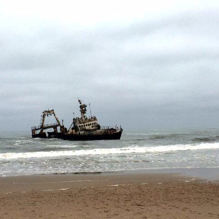 Hentiesbaai, Намибия: Zeila Shipwreck - 15 km south of Henties Bay