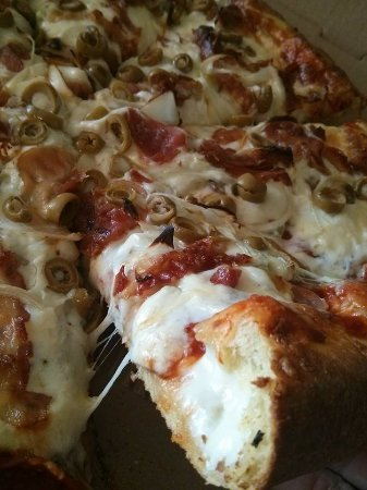 Rockland, Kanada: Stuffed crust pizzas