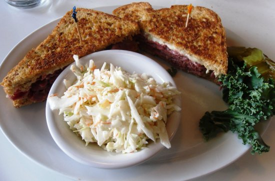 White City, OR: Excellent Rueben and coleslaw!