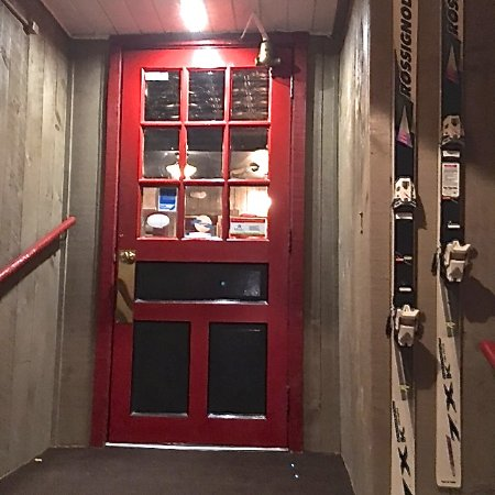 Glen, Nueva Hampshire: Red Parka Red Door