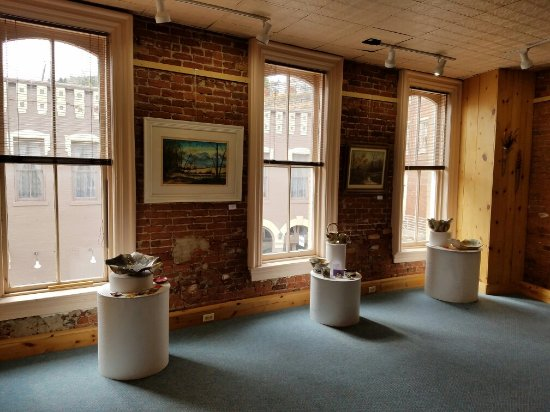Central City, CO : There is an art gallery featuring local artists upstairs.