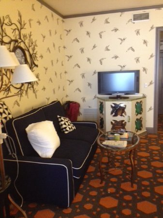 Kimpton Hotel Monaco Portland: Separate seating area with another TV. One in bedroom, too.