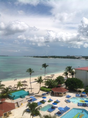 Encanto! Quedaron breezes hotel in bahamas swinging sounds easy