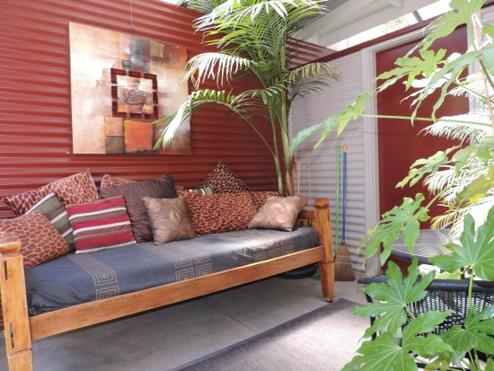 Westwood Lodge : Apartment 3 - Courtyard