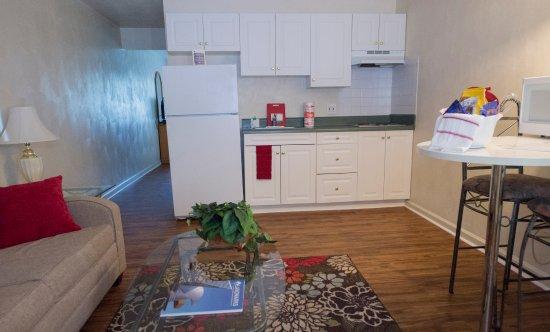 Salem, VA: Living Room/Kitchen