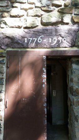Washington Crossing, PA: Entrance to the tower (needs some sprucing up)
