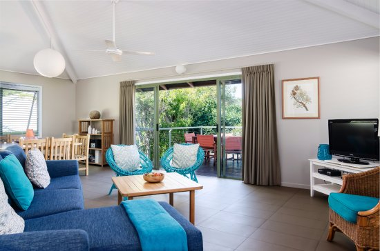 Peregian Beach, Australia: Living and dinning area in one the beach houses.