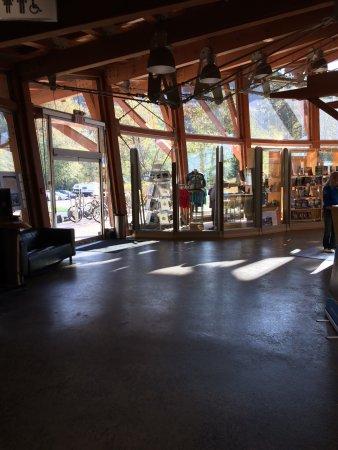 Squamish Adventure Centre: photo3.jpg