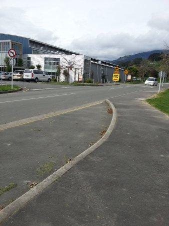 เนลสัน, นิวซีแลนด์: Table tennis stadium on the side.