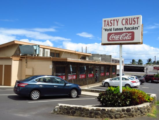 Tasty Crust Restaurant: Just a 'joint' off the main drag...perfect!