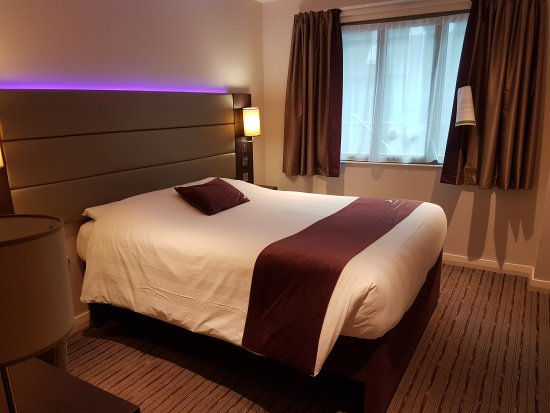 Premier Inn London Kings Cross Hotel: 20160926_094439_large.jpg