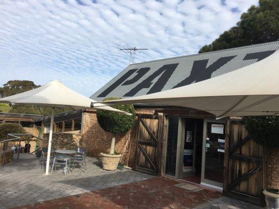 McLaren Vale, Australia: Just a little look at Paxton ~