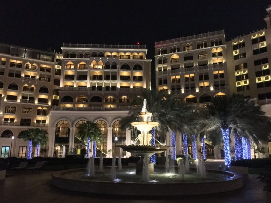 The Ritz-Carlton Abu Dhabi, Grand Canal: photo2.jpg