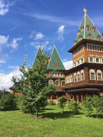 Open Moscow! - Tours: Kolomenskoye Estate Moscow