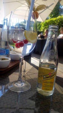 Chexbres, Suiza: Gin Tonic