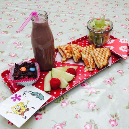 Smokey Joe's Coffee Bar: Fabulous choice of Kids meals for £5