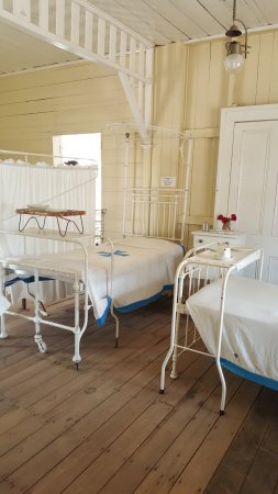 Miles Historical Village and Museum: Hospital room