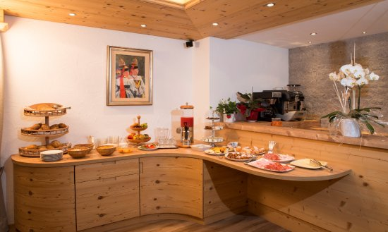 Garni Irma Bed & Breakfast: buffet