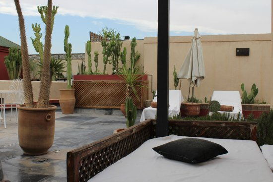 Bellamane, Ryad & Spa: The roof terrace - great at sunset