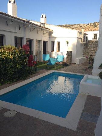 Hotel Rural Zuhayra: Een klein maar prettig zwembad om even in af te koelen