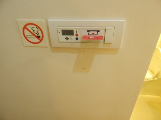 Red Planet Ermita, Manila: When entering the room, a card lock system is placed next to the door.