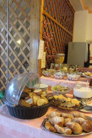 Hotel Riva del Sole: Frühstücksbuffet
