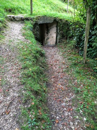 Fort Kluze : View of entrance to defensive trench